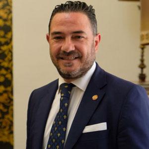 Antonio Navarro Decano Empresariales US